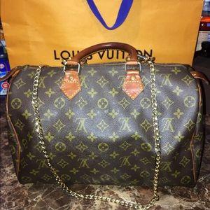 Auth Vintage Louis Vuitton Speedy 35
